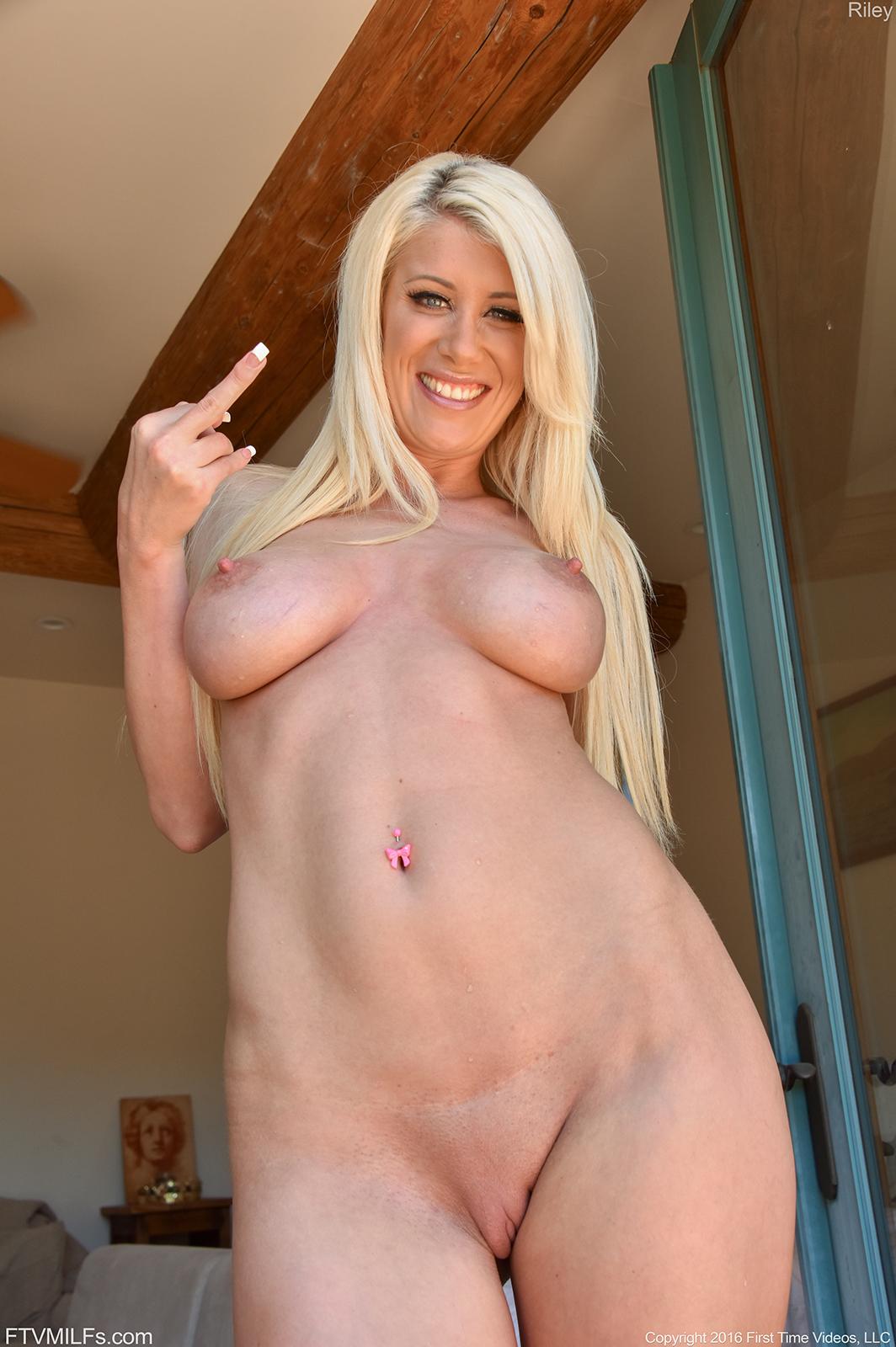 Nude mature women next door amateur